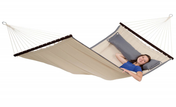 The AMAZONAS Hammock is designed in the typiyal american way